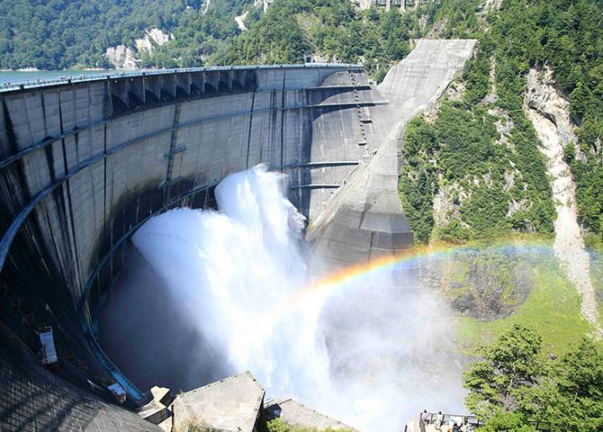 「ダム 放水」の画像検索結果